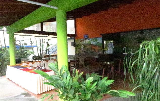 Breakfast buffet at Hotel San Bosco, the perfect place for a budget friendly vacation in La Fortuna. Arenal!
