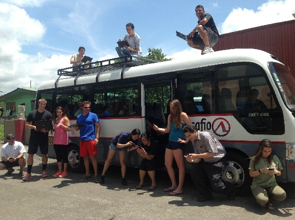 Private Transfer with Wi-Fi between Arenal, La Fortuna and Manuel Antonio Beach or anywhere in Costa Rica!