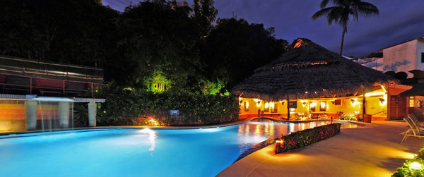 Hotel Si Como No in Manuel Antonio is a tropical oasis! Desafio can help you get the best prices on a Costa Rica vacation.