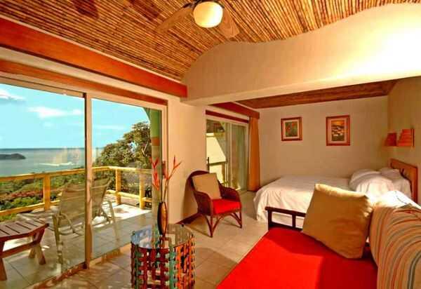 Si Como No has spacious rooms and gorgeous ocean views. Desafio can help you plan a trip to Manuel Antonio, Costa Rica.