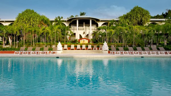 Tamarindo Diria Resort located in downtown Tamarindo is a classic tropical resort. Desafio can help you plan a great adventure to Costa Rica!