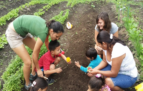 Maichal with students at volunteer project in Costa Rica.